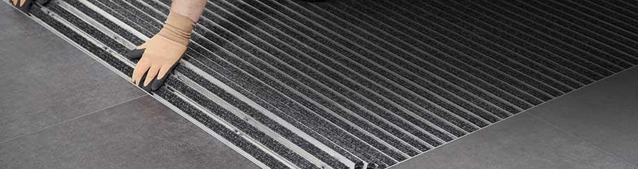 алюминиевые грязезащитные решетки от производства до монтажа