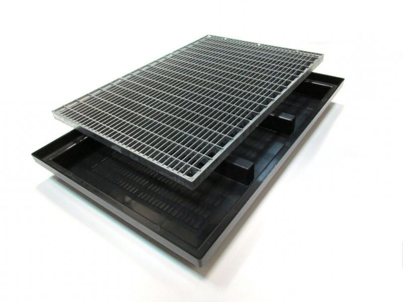 Поддон придверный 600х400 мм. с грязезащитной металической оцинкованной решеткой